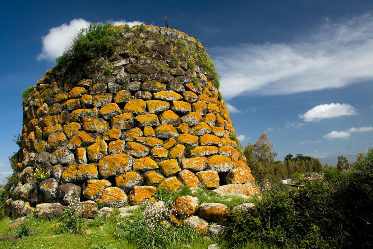 Die Nuraghen, die Domus de Janas, die Gigantengräber Cala Luas Resort